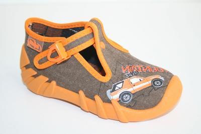 110P029 18 - chl.přez., hnědá, oranžové auto